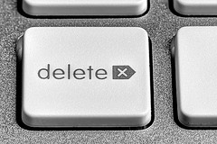 button for deleting online reviews